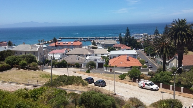R4 750 000 On a Cobble stone road in the heart of Kalk Bay village