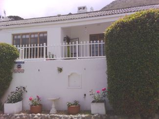 ST James Cottage in quiet road.with limited sea view. R1850000