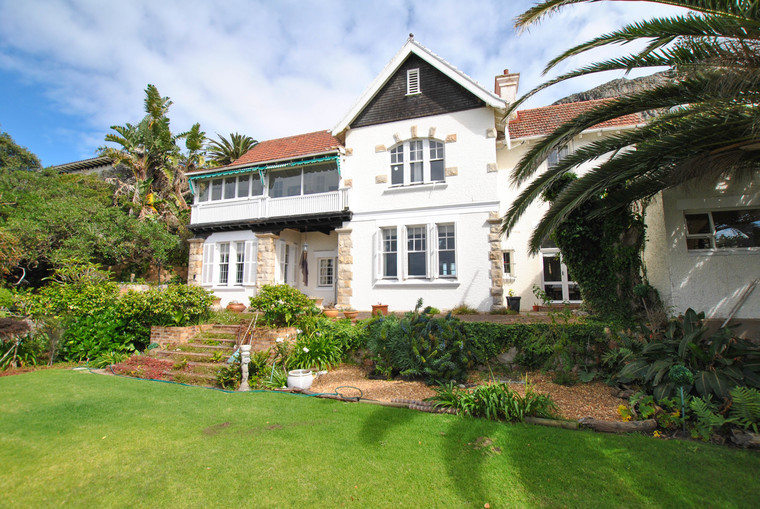R14 500 000 Charming family home - Sea views