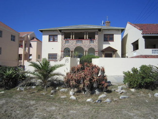 R 1300 000 ART DECO Mansion ( 1933) in Historical Muizenberg.