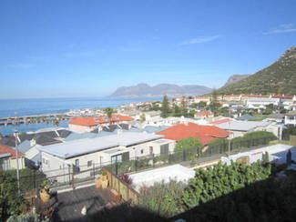 R4950000 buys the best harbour view from this 1898 House.