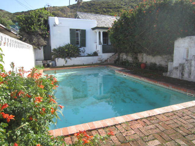 R7200000 Original Harbour Masters house with harbour view in the heart of Kalk Bay